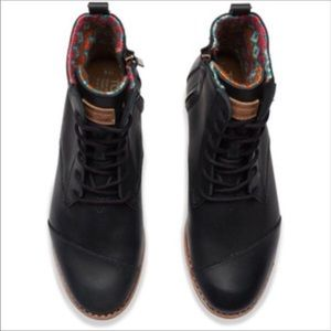 TOMS ALPHA BLACK LEATHER WOMENS BOOTS COLORFUL